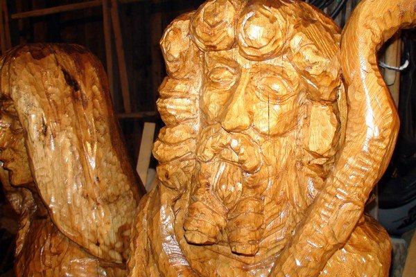 Na snímke sochy Jozefa a Márie.