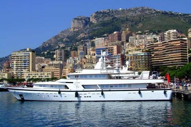 Jachty v prístave v Monaku