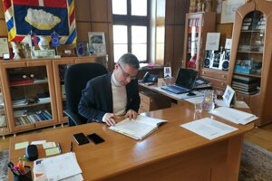 Primátor mesta Ľubomír Fifik si nemyslí, že by mesto konalo protizákonne.