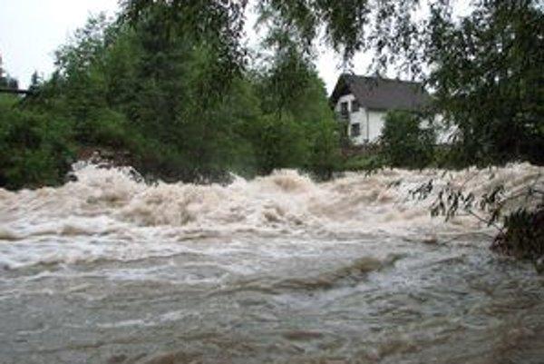 Prvý stupeň výstrahy v súčasnosti platí na 11 tokoch v kraji.