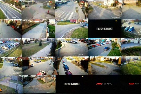 pohľad na monitor kamerového systému vo Fiľakove-