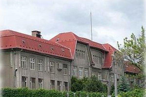 Nemocnica v Hnúšti patrí do spádovej oblasti, v ktorej žije približne 20-tisíc ľudí.