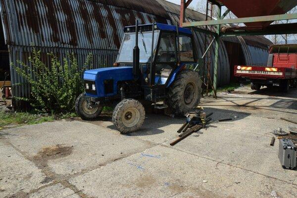 Premaľovaný traktor chcel muž predať.