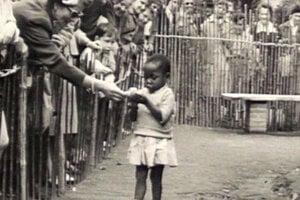 Ešte v roku 1958 v Bruseli vystavovali ľudí vrátane malého dievčatka.