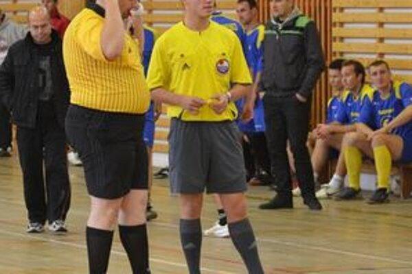 V 4. kole Balex Futsal ligy udelili arbitri deväť žltých a jednu červenú kartu.