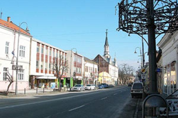 V Lučenci po troch rokoch niektoré dane zvýšili.