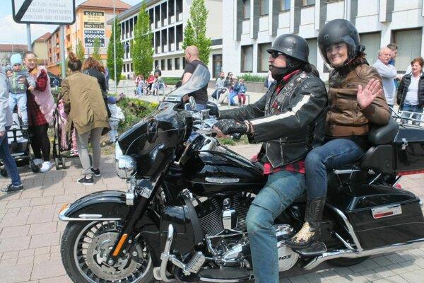 V centre Žiari burácali motorky.