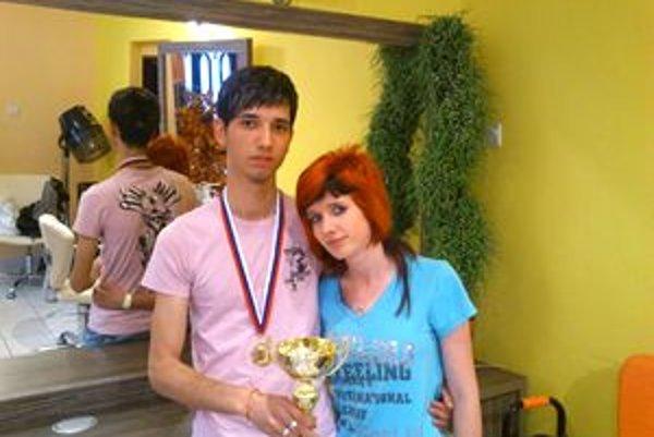 Eugen Botoš a jeho modelka Regina sú zohratá dvojica.