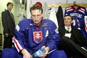 Ľubomír Sekeráš v slovenskom drese po finále MS v Petrohrade 2000. Po otrase mozgu nastúpil na reverz.