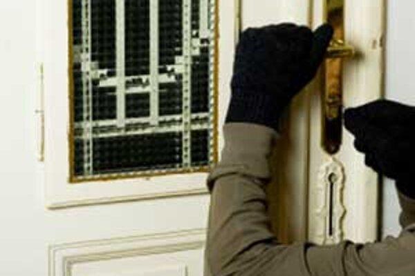 Veľmi dobrú ochranu pred zlodejmi poskytujú bezpečnostné dvere.