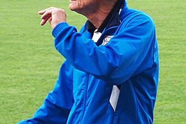 Tréner áčka LAFC Lučenec Štefan Dohnálek.
