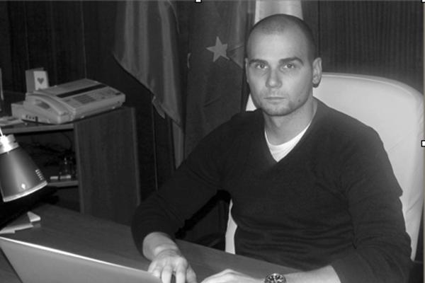 Adrian P.