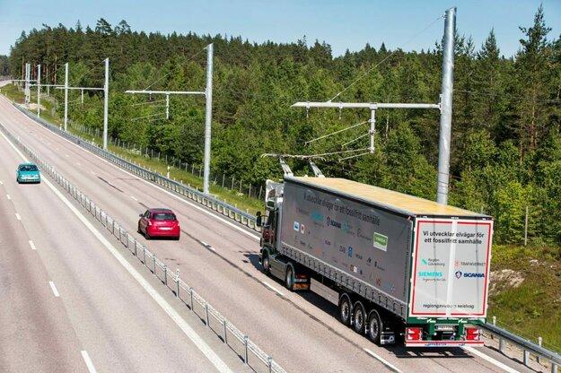 Elektrická trať pre kamióny v Nemecku.