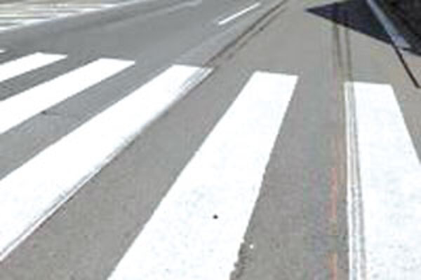 Priechody pre chodcov by mali byť bezpečné, napriek tomu sú často miestami dopravných nehôd.
