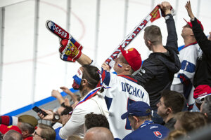 Fanúšikovia Ruska v zápase Ruska proti Nórsku na MS v hokeji 2019.