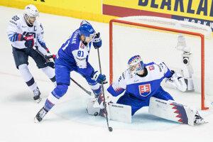 Patrik Rybár a Erik Černák v zápase Slovensko - USA na MS v hokeji 2019.