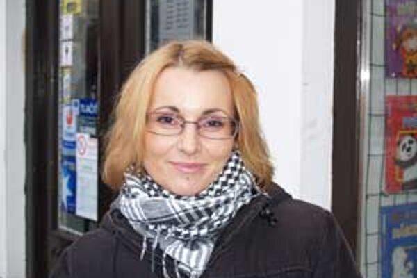 Zuzana Hegedüsová stále prepočítava eurá na koruny a má pocit, že sa peniaze minú rýchlejšie ako predtým.