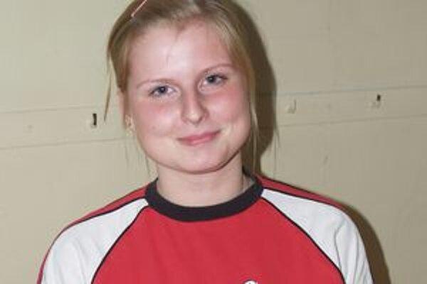 Stolnej tenistke z Lučenca Martine Adámekovej sa darí v extralige žien i v dorasteneckej lige.
