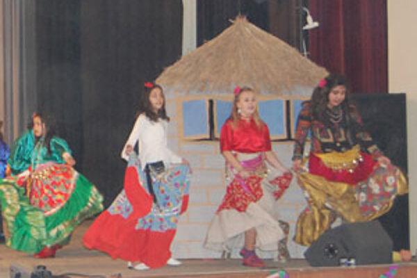 Všetky zúčastnené školy sa snažili zaujať porotu i divákov.