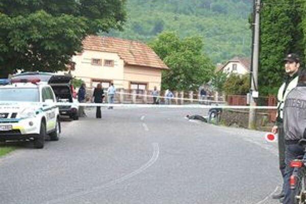 Tragický incident v Hodejove sa odohral po predchádzajúcom slovnom konflikte blízko evanjelického kostola.