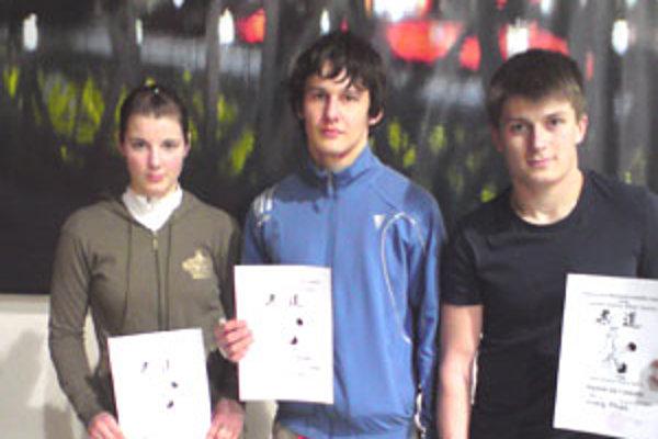 Úspešní mladí džudisti z Lučenca Miroslava Farkašová, Gabriel Čelinský a Andrej Mužík.