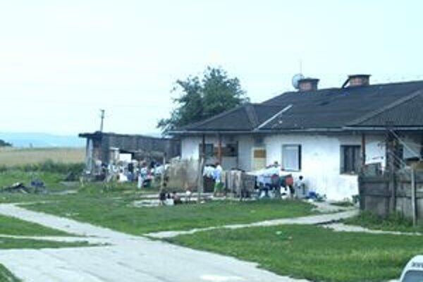 Rómovia z Rapovskej križovatky žijú v katastrofálnych hygienických podmienkach.