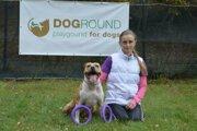 Veronika Bucukinová so svojím psíkom.