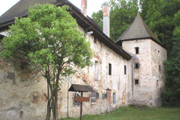 Obsah publikácie vychádza z pamiatkových výskumov hradu a kaštieľa v Divíne, ktoré boli realizované hlavne v období posledných 10 rokov.