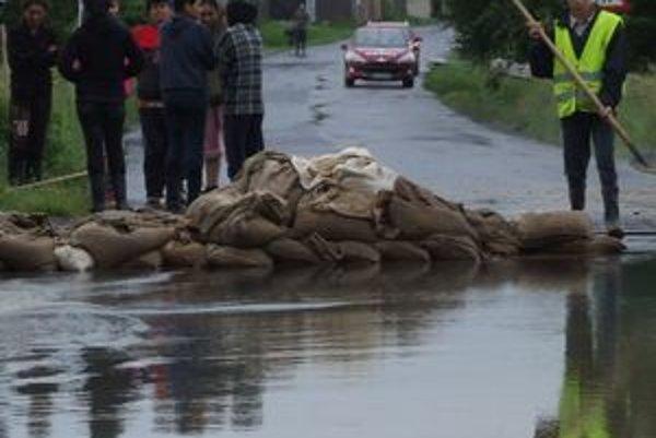 Počas povodní v rimavskosobotskom obvode bolo z obcí evakuovaných takmer 500 obyvateľov.