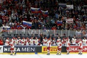Ruská striedačka počas zápasu Lotyšsko - Rusko na MS v hokeji 2019.