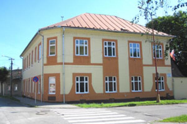 Jana Murgašová, riaditeľka CVČ Magnet v Lučenci, je optimistka. Verí, že centru pomôže mesto.