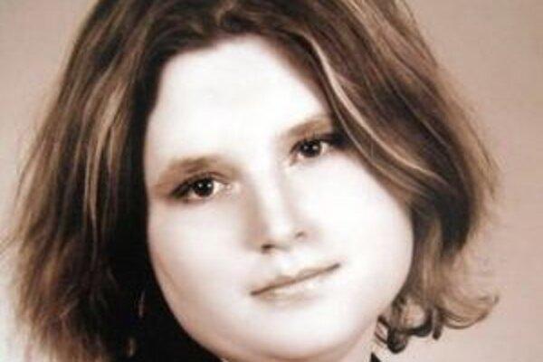 Telo mŕtvej Kataríny Števčokovej z Lučenca polícia objavila na poľnej ceste medzi obcami Tomášovce a Halič.