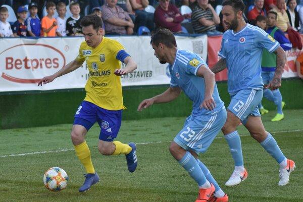 Turík s kapitánskou páskou proti Slovanu zaznamenal gól aj asistenciu.
