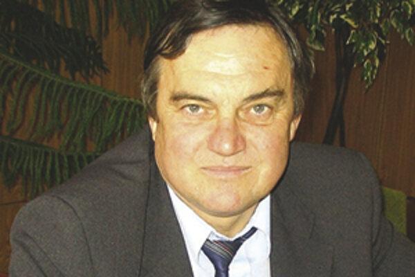 Jána Krnáča, starostu Dobroče, lákajú hory.