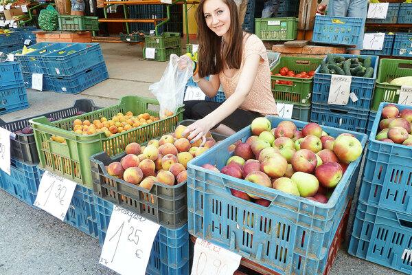 Na farmárskych trhoch by ste mali kúpiť hlavne domáce ovocie, zeleninu a ďalšie produkty gazdov.