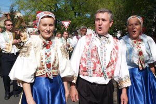 Počas piatkového Kolieska pri fontáne sa predstavia domáce i zahraničné súbory a sólisti.