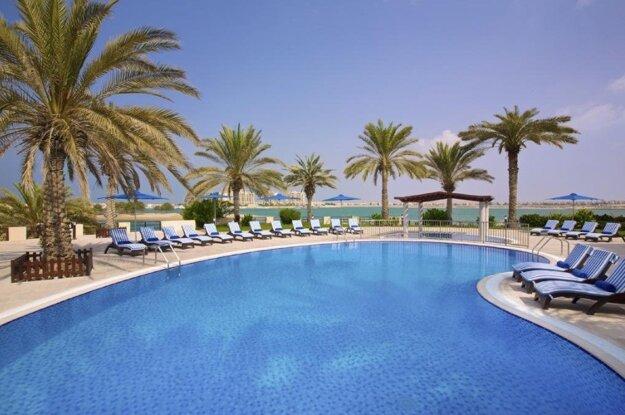 5* Hilton Al Hamra Beach & Golf Resort
