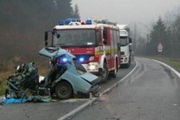 Nehoda si vyžiadala jeden ľudský život.