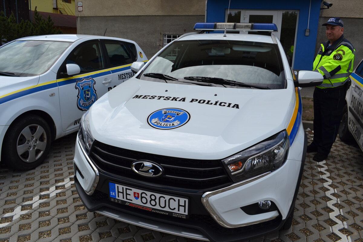 decf18bbb Humenskí mestskí policajti sa vozia v novom aute - Korzár SME