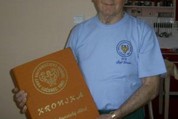 Jozef Deman stál pri zrode Prvého kulturistického oddielu v meste Lučenec, ktorý v minulom roku oslávil 45. výročie svojho vzniku.