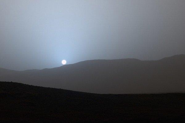 Modrý západ Slnka na Marse.