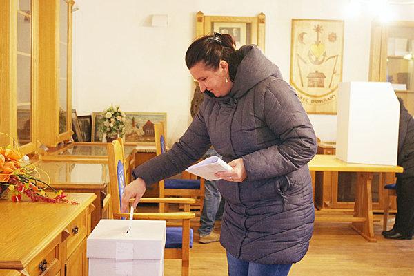 Z volieb v Dohňanoch.