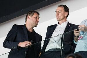 Miroslav Šatan (vpravo) a Ján Lašák počas zápasu o 3. miesto Rusko – Česko na MS v hokeji 2019.