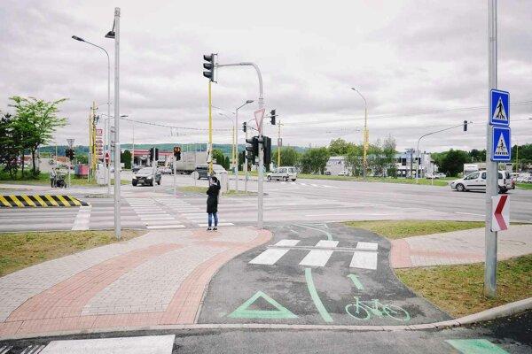 Vodiči môžu križovatkou prejsť bez dopravných obmedzení.