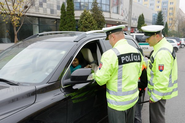 Vo štvrtok budú policajti kontrolovať v okresoch Trenčín, Bánovce a Ilava.