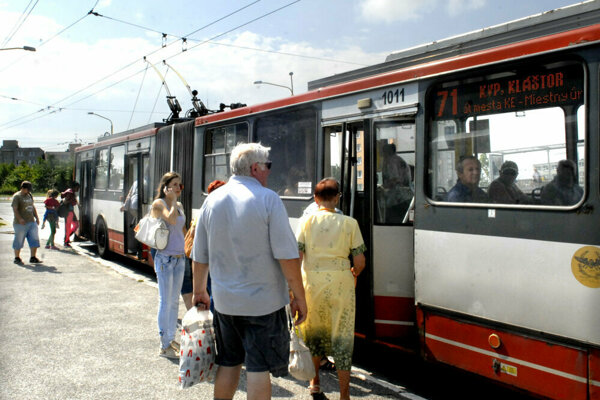 Košičania si zaspomínajú na staré časy, po meste ich povozia trolejbusy.
