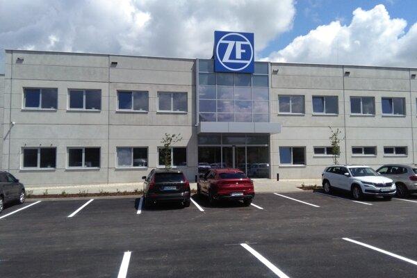 Budova spoločnosti ZF Friedrichshafen AG v Detve.