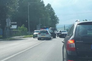 Dopravná nehoda pri nemocnici.