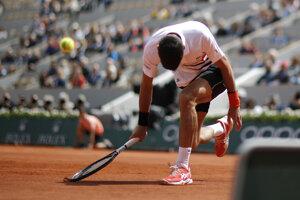 Novak Djokovič v priebehu semifinále Roland Garros 2019.