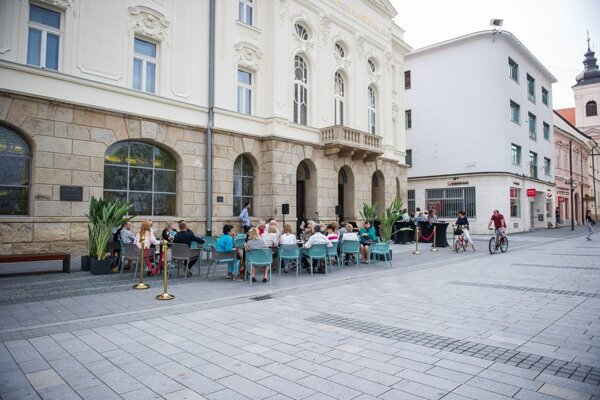 Divadelnú kaviareň otvorili pred pár dňami.